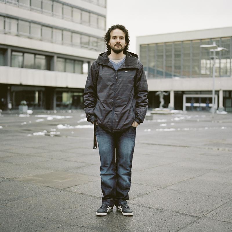 Fernando en la Biblioteca de la Uni Braunschweig. Febrero 2013.