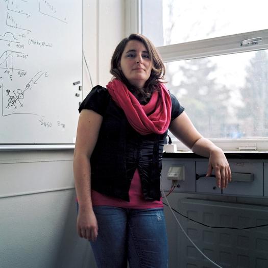 Mariela en su oficina en el KIT de Karlsruhe. Febrero 2013.